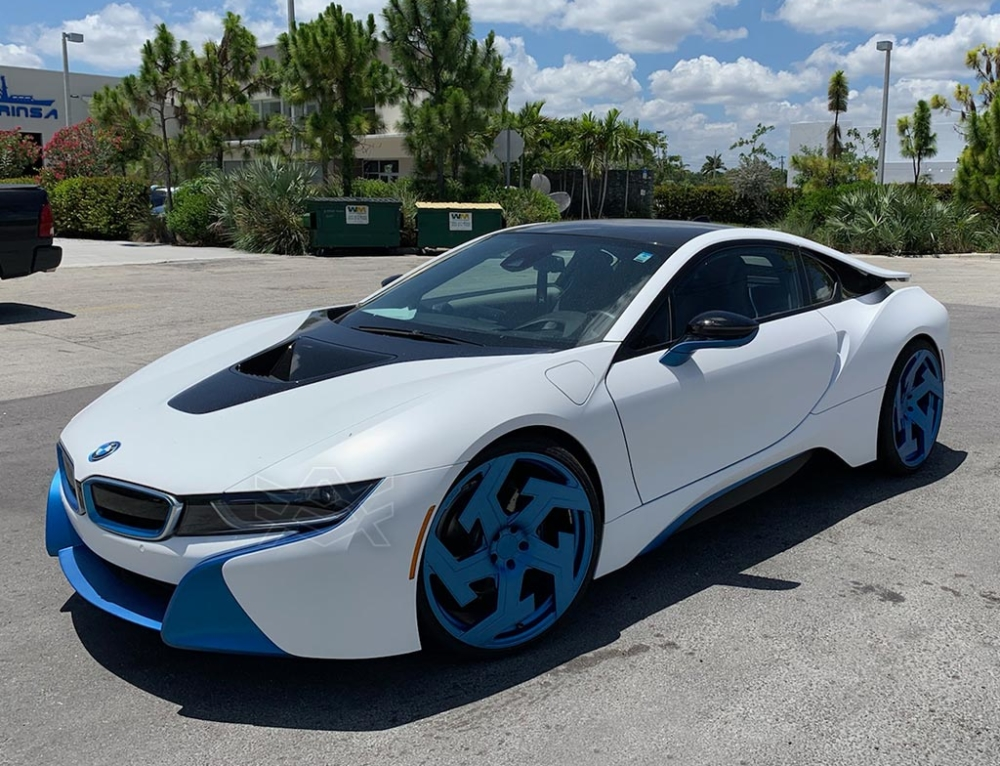 BMW I8 Frozen Blue